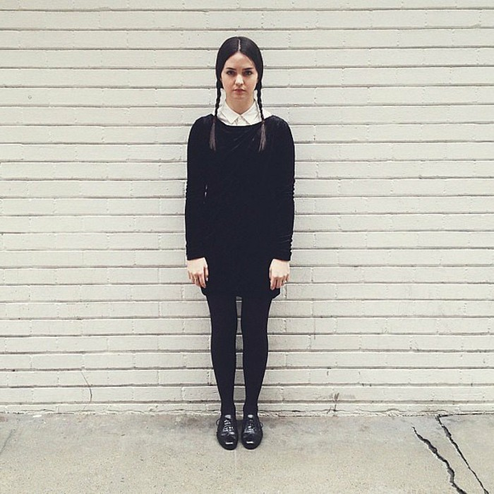 wednesday-addams-une-autre-look-qui-ne-requiert-pas-de-gros-efforts-deguisement-halloween-simple