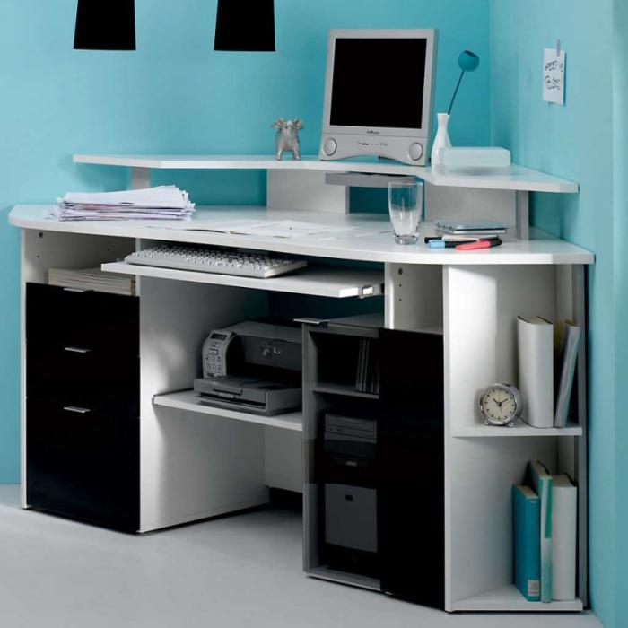 bureau-informatique-d' angle-joli-design-en-blanc