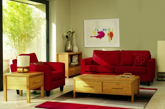 admirable-couleur-peinture-salon-vert-pistache-canape-et-fauteuil-rouges-table-basse-en-bois-a-tiroirs