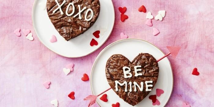 adorabele-cake-au-chocolat-amour-a-la-forme-de-coeur