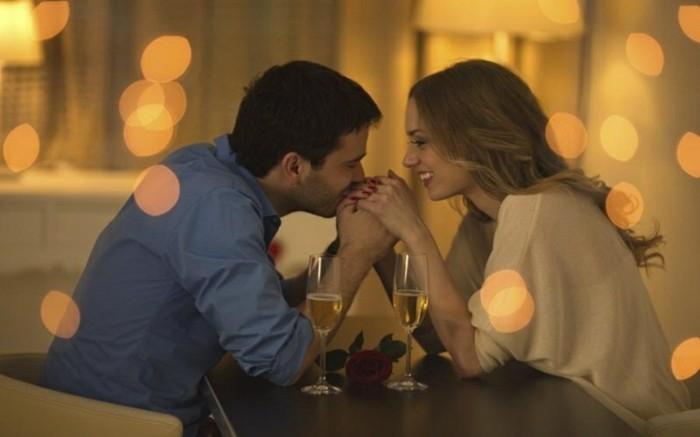 adorable-couple-amoureuse-tenue-saint-valentin-femme-elegante