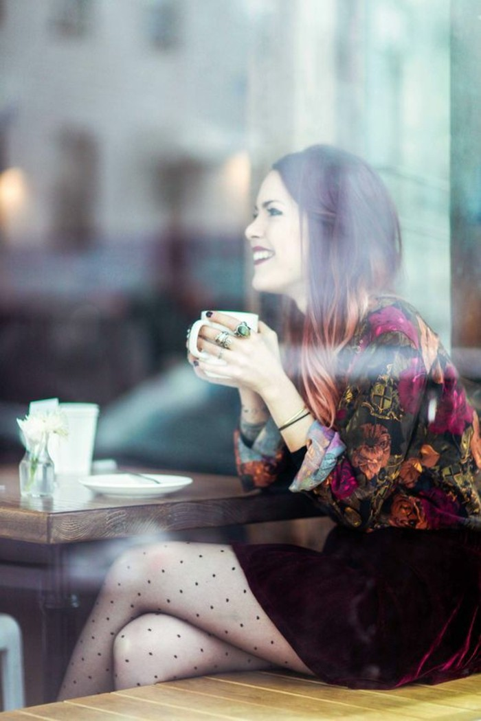 adorable-tenue-saint-valentin-elegante-cafe