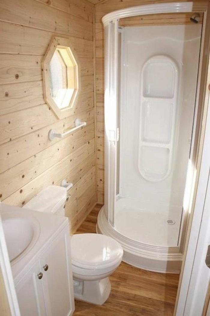 Delightful Salle De Bain Beige Blanc  #2: Aménagement-petite-salle-de-bain-2m2-sol-et-murs-en-bois-clair-comment-amenager-la-salle-de-nai.jpg