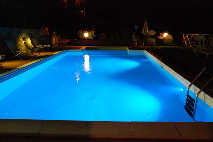 ampoule-led-piscine-eclairage-spot