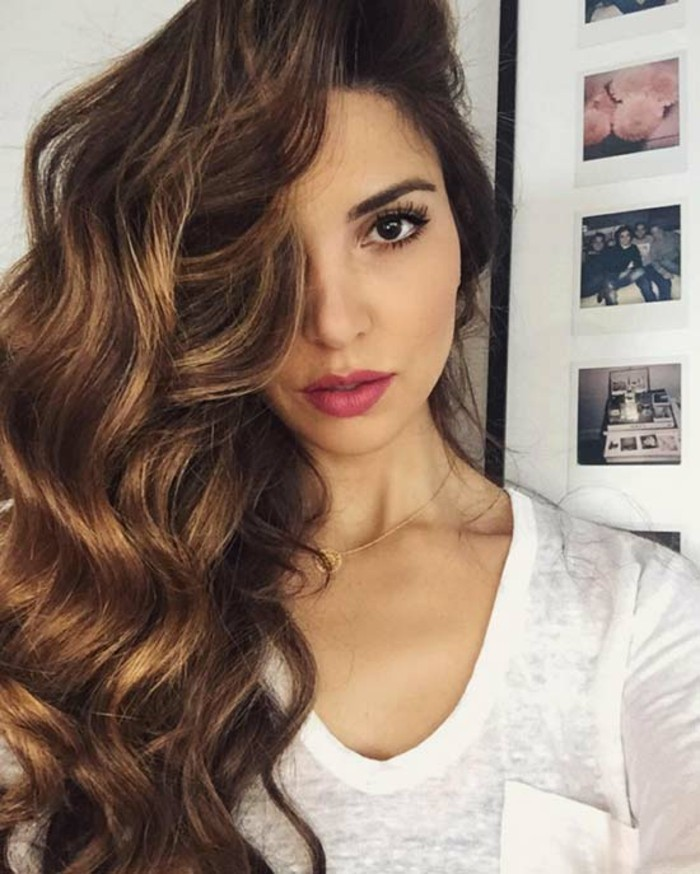 balayage-chatain-clair-sur-cheveux-chatain-fonce-cool