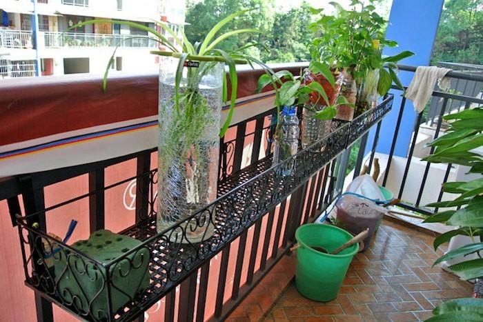 balconniere-jardiniere-metal-design-plantes-terrasse