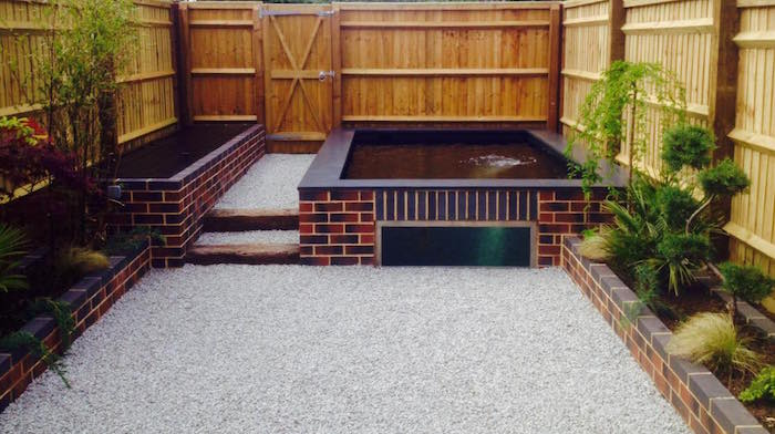 bassin-carpe-koi-design-poisson-japonais-ornement-jardin