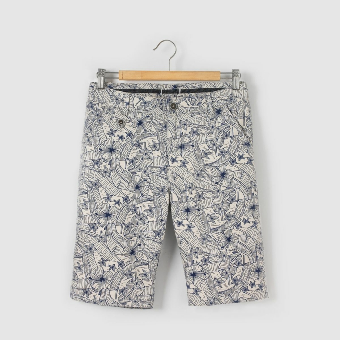 bermuda-enfant-la-redoute-a-fleurs-bleus-sur-fond-blanc-resized