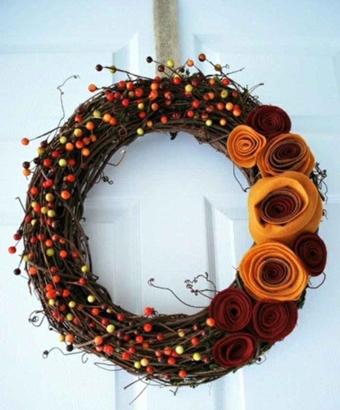 bricolage-halloween-primaire-pour-la-porte-d-entree-couronne-de-fleurs-automne