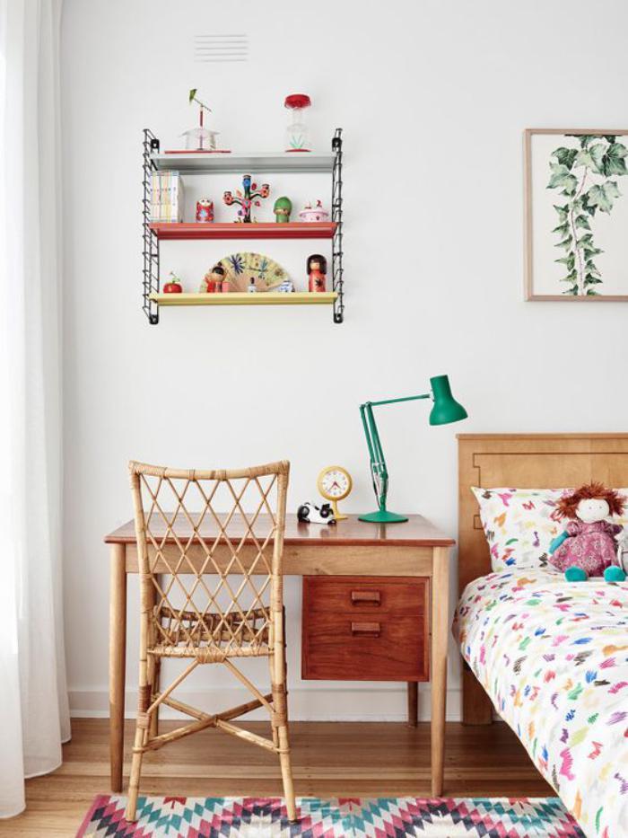 bureau-d-ecolier-a-la-maison-design-en-bois