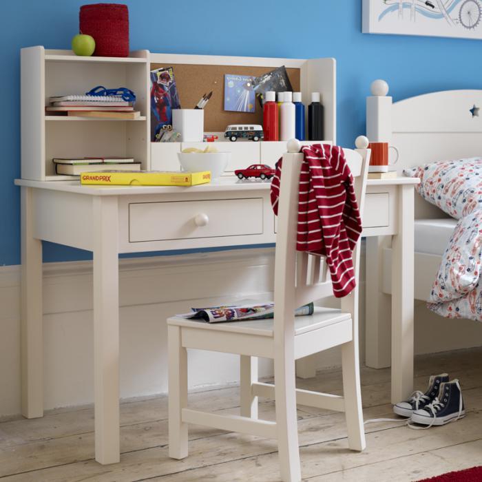 bureau-d' écolier-joli-bureau-blanc-et-chaise-de-bureau