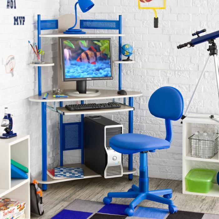 bureau-d-ecolier-bureau-dangle-pour-les-plus-petits-chaise-bleue