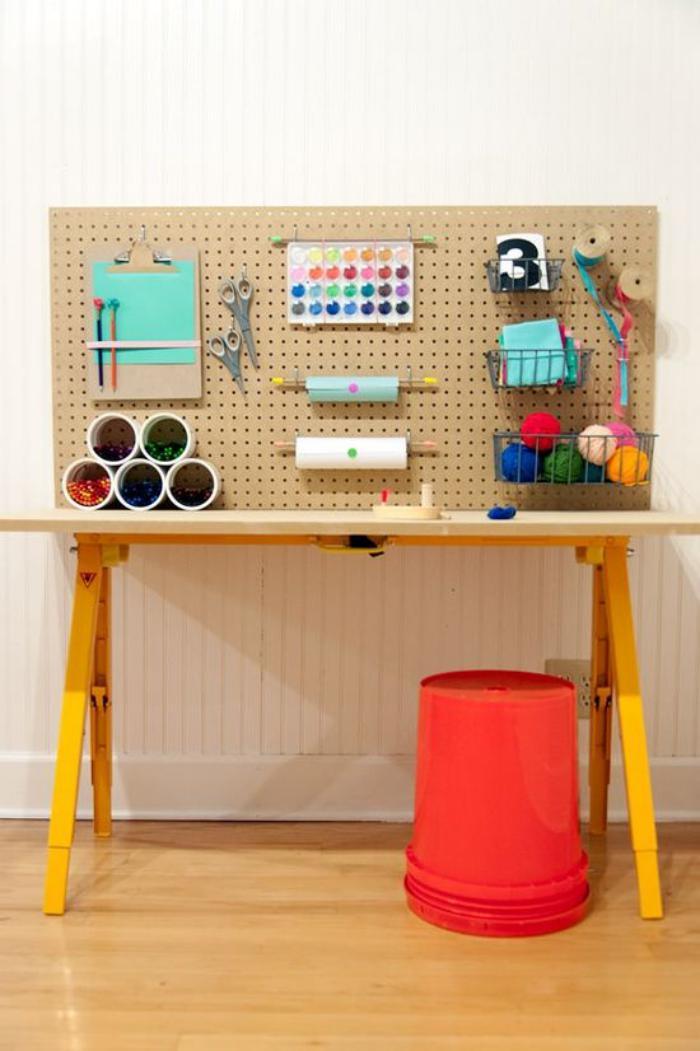 bureau-d-ecolier-design-bois-espace-de-travail