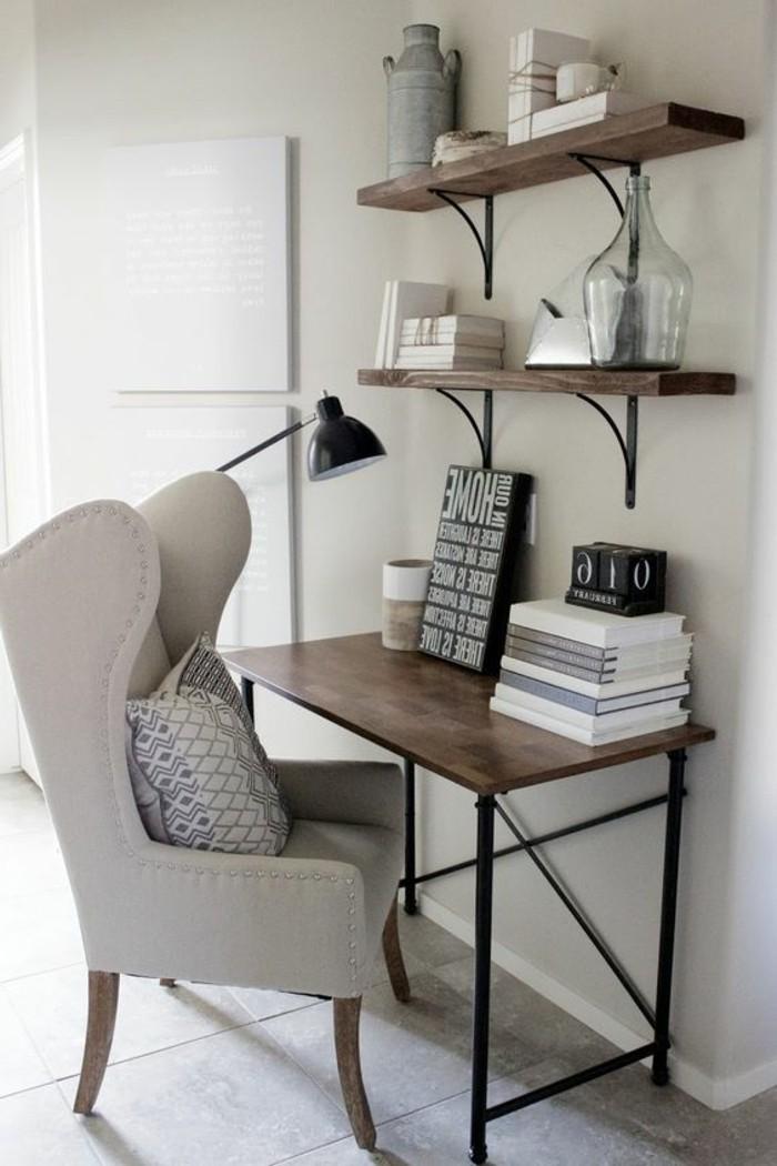 bureau-style-industriel-chaise-grise-étagère-bois-et-métal