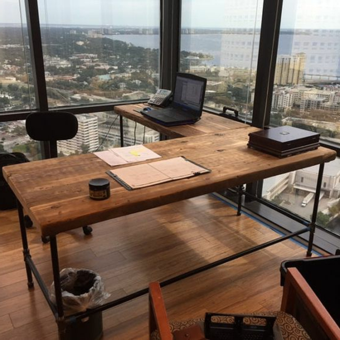 bureau-style-industriel-vue-magnifique