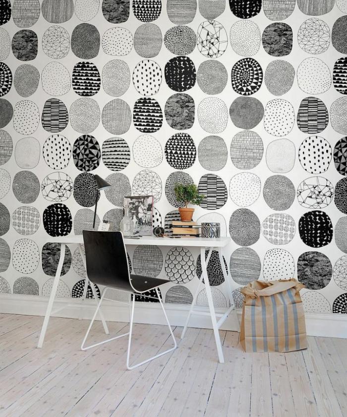 bureau-style-scandinave-petit-bureau-scandinave-et-papier-peint-original
