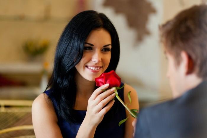 c-est-quand-la-saint-valentin-bonne-saint-valentin-offrire-rose