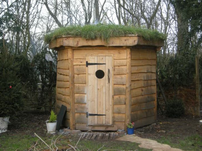 Maisonnette en bois enfant 60 jolies demeures pour les petits for Cabane de jardin igloo