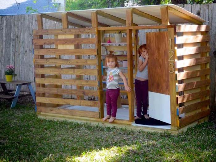cabane-jardin-enfant-pas-chere-maisonnette-en-bois-enfant