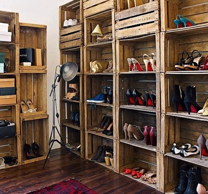Meuble A Chaussure Caisse En Bois.Diy Recycler Une Caisse En Bois Deco En 40 Idees Archzine Fr