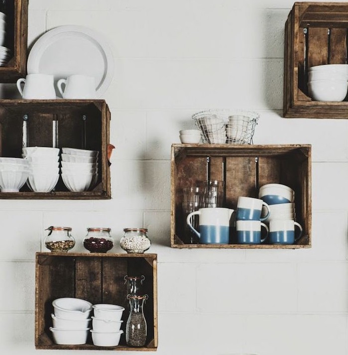 caisse-en-bois-deco-etagere-cuisine-diy-pas-chere-pommes-boite-a-vin-cagette-decoration-etagere