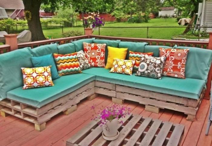Comment fabriquer un canap en palette tuto et 60 super for Mousse pour salon de jardin