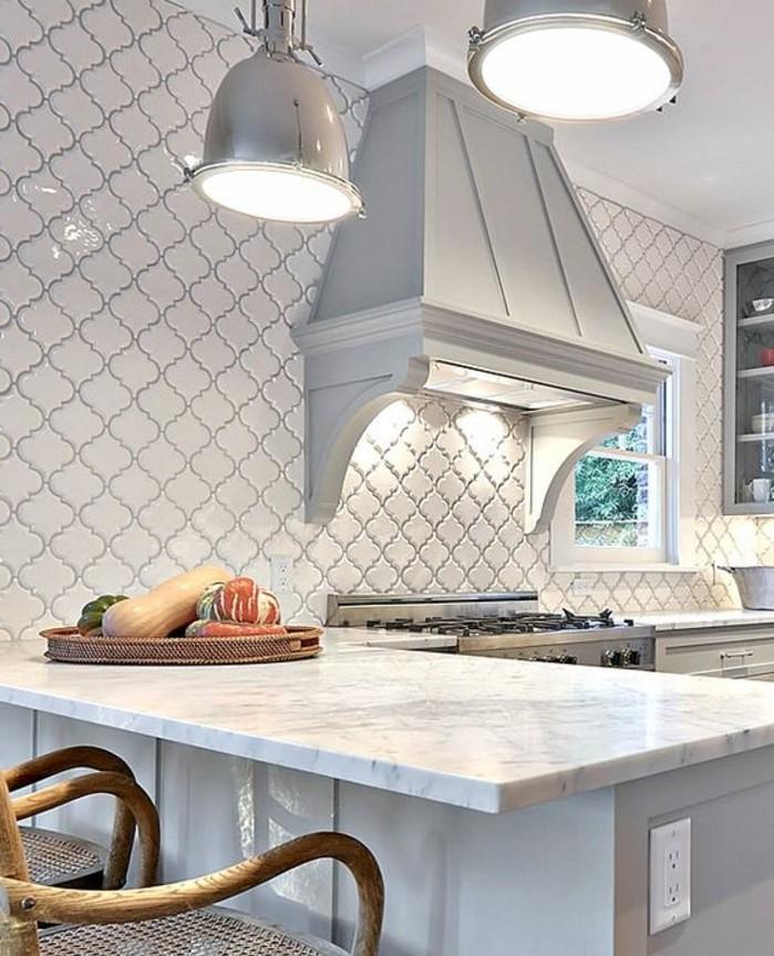 carrelage-blanc-carreaux-d'une-forme-intéressante