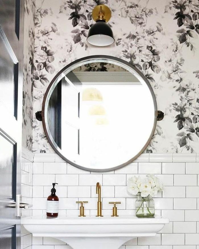carrelage-blanc-design-elegant-surtout-pour-les-femmes