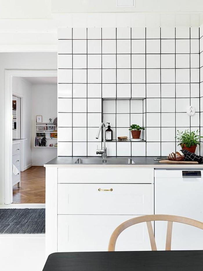 carrelage-blanc-en-cadre-noir-armoire-blanche-cuisine
