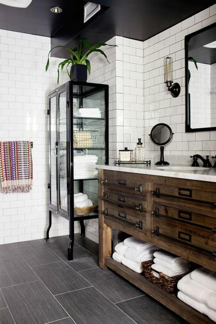carrelage-blanc-grande-armoire-miroir-en-cadre-noir