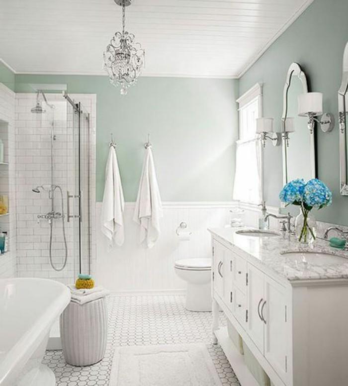 carrelage-blanc-le-blanc-prédomine-dans-cette-salle-de-bain