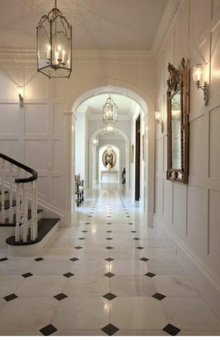 carrelage-blanc-un-couloir-tres-élégant