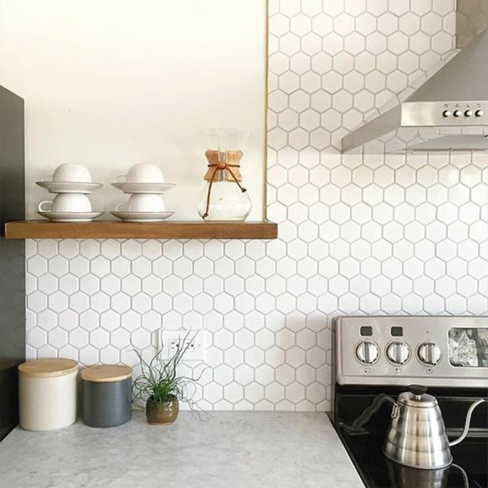 Idee backsplash hexagon home design ideen for Carrelage hexagonal marbre