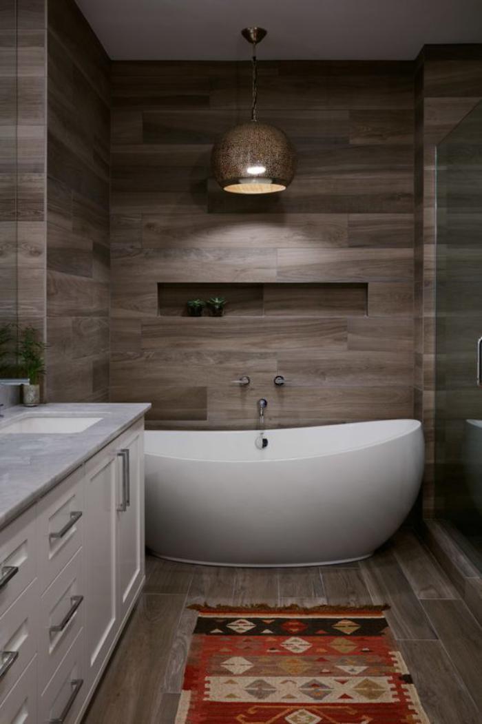 carrelage-imitation-bois-salle-de-bain-rustique-carrelage-aspect-bois