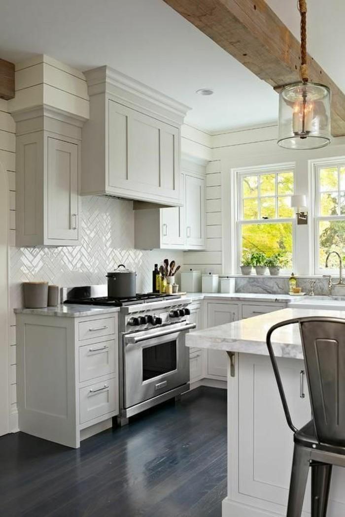 Le carrelage m tro blanc fait fureur dans la cuisine for Cuisine wood fashion