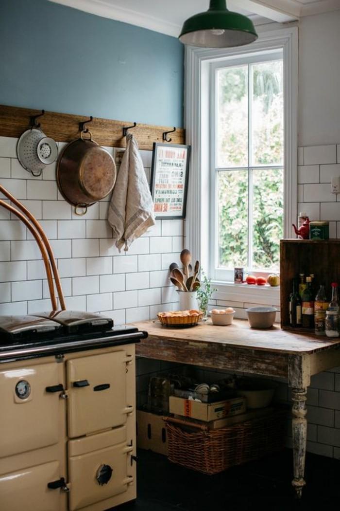Rangement d'aliments déco dans une cuisine blanche
