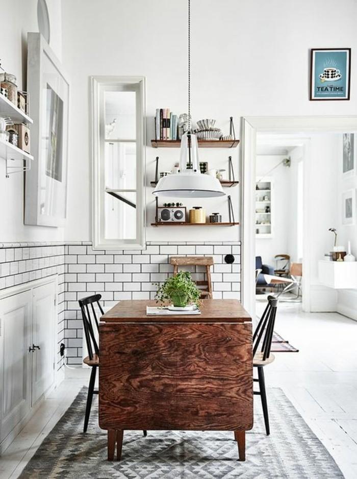 carrelage-metro-blanc-grande-table-pliante-bois