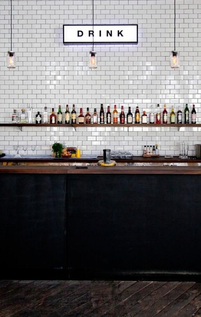 carrelage-metro-blanc-meuble-de-cuisine-noir-etagere-bois