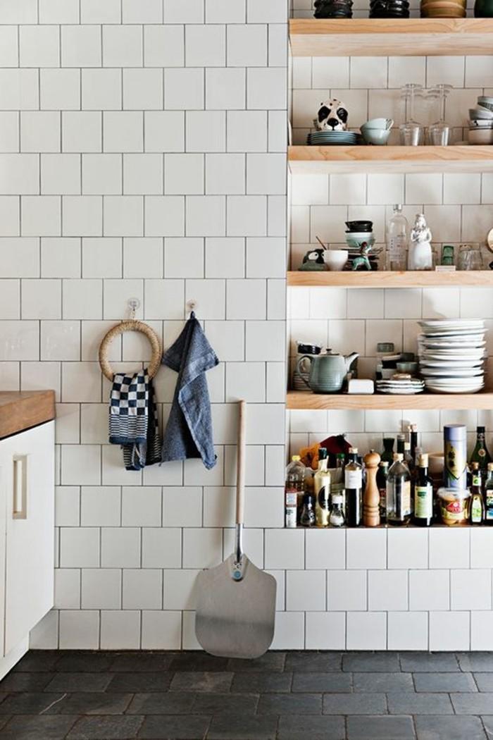 carrelage-metro-blanc-rangement-de-cuisie-original