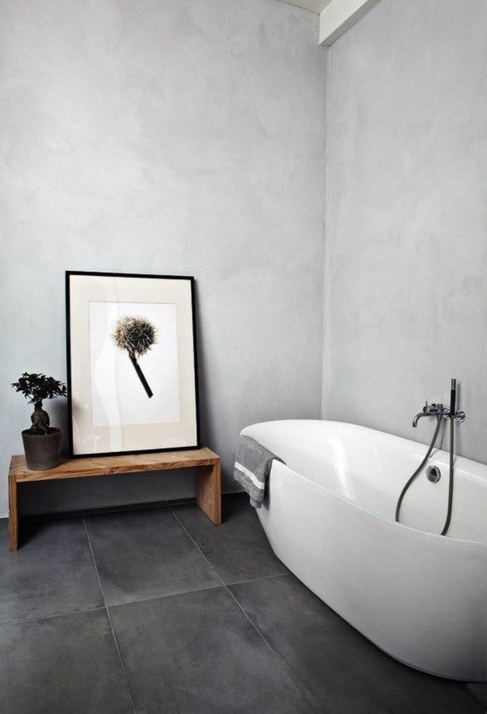 Le carrelage noir entre dans la salle de bain et la for Difference entre salle de bain et salle d eau