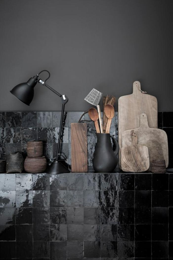 carrelage-noir-original-pour-linterieur-moderne