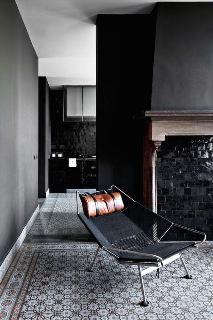 carrelage-noir-revetement-mural-extravagant