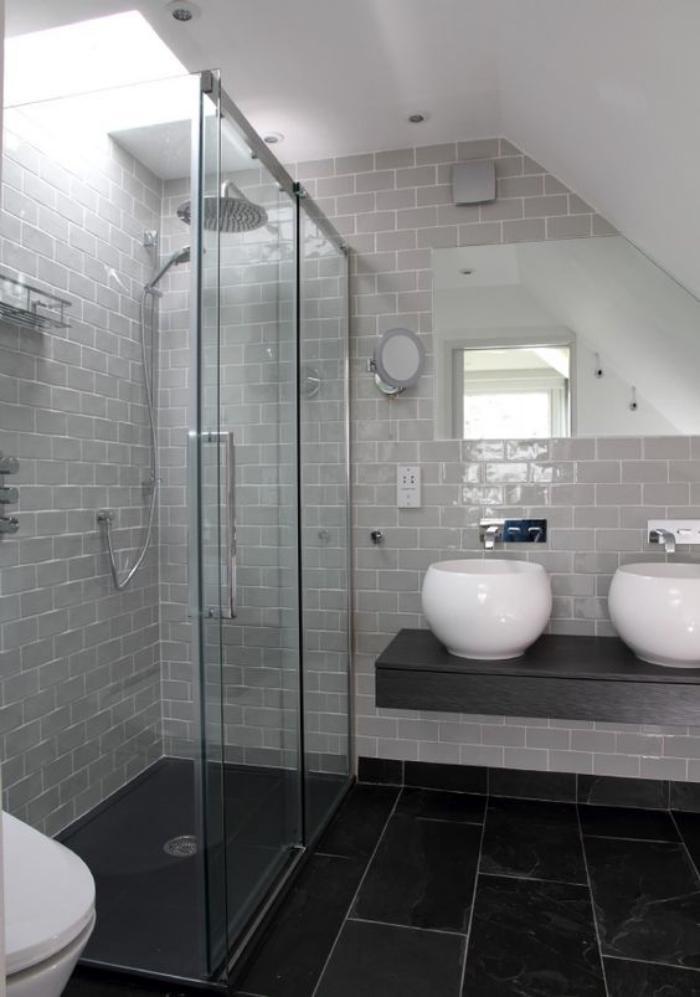 Salle de bain blanche et noire maison design for Salle de bain noir et blanche