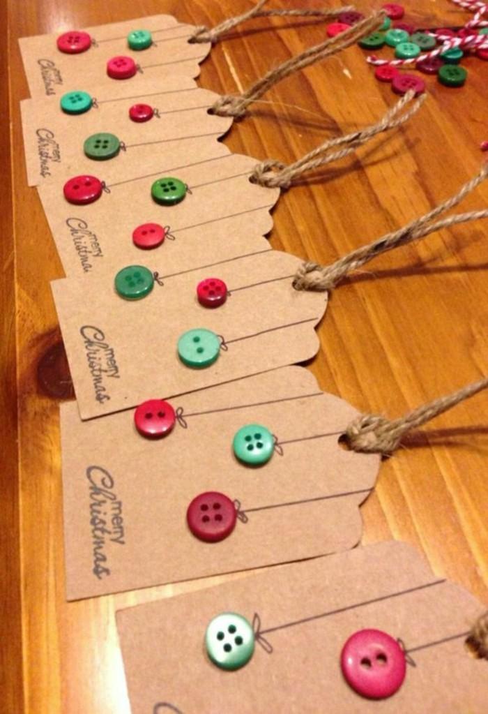 carte-personnalise-pour-joyeux-noel-ideea-avec-des-boutons-colores-decoration
