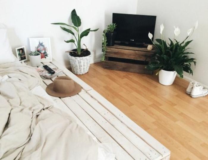 chambre-tres-elegante-propoce-a-la-relaxation-comment-faire-un-lit-en-palette
