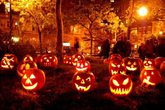 citrouilles-jack-o-lantern-pour-la-fete-de-halloween-bricolage-halloween-facile-traditionnel