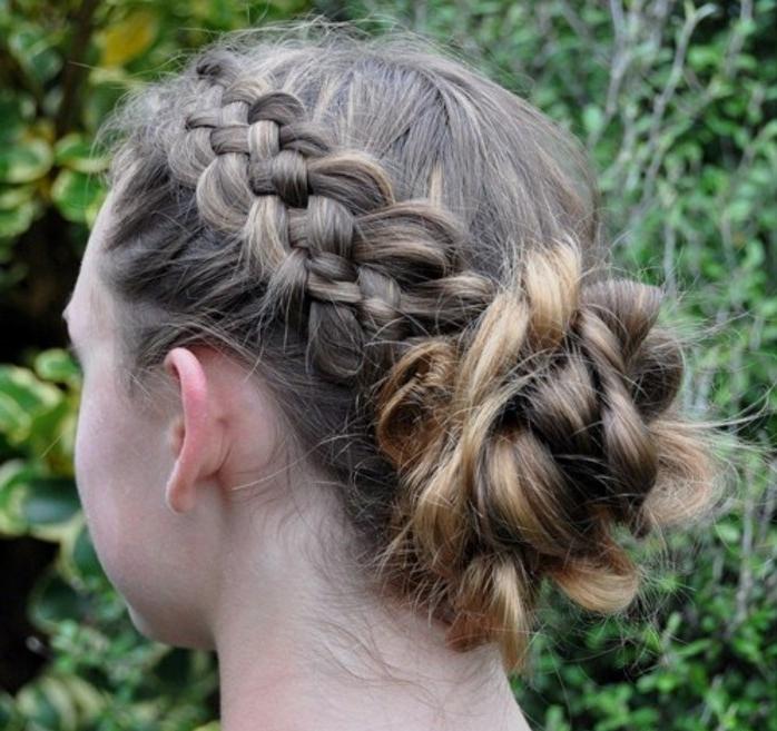coiffure-avec-tresse-coiffure-ado-fille-tres-elegante-et-feminine