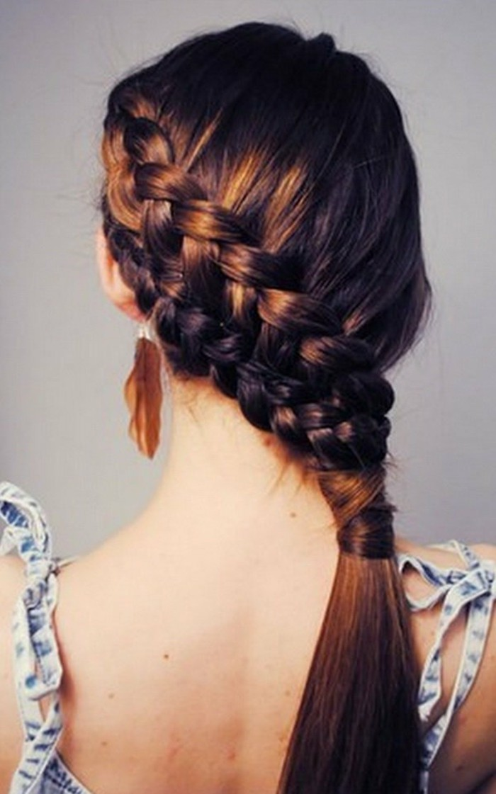 coiffure-avec-tresse-tres-creative-et-artistique-suggestion-superbe-pour-une-fille-ado