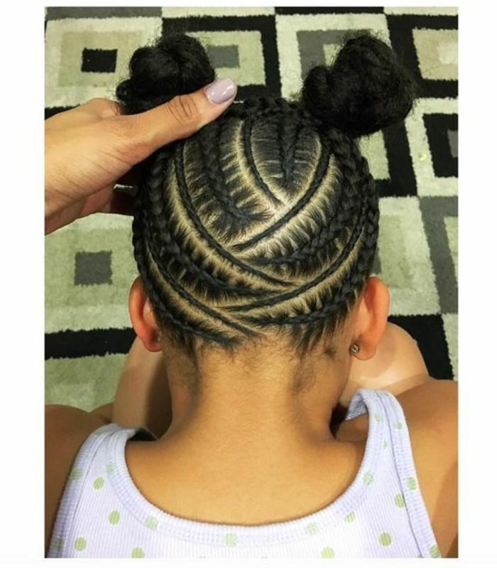 coiffure-cheveux-crepus-petite-fille-cheveux-frises-afro