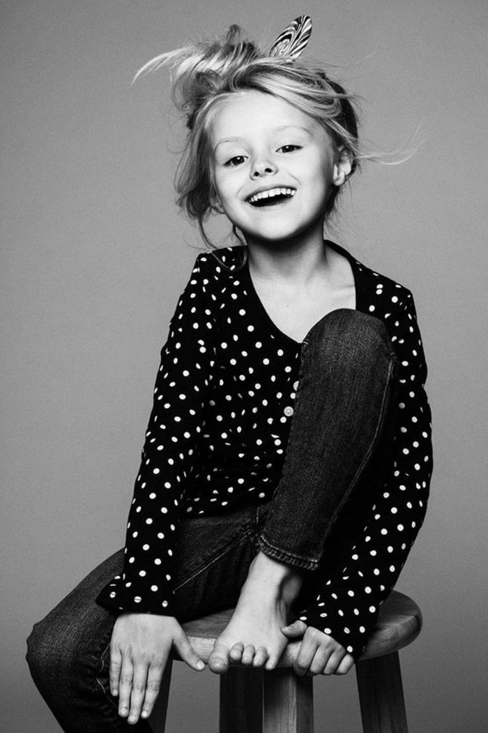 coiffure-fillette-tres-artistique-idee-interessante-pour-votre-petite-fille